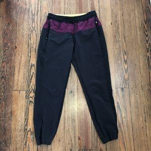 Last day to buy - Black lululemon joggers 8 EUC